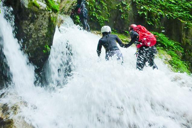滋賀・シャワークライミング・八淵の滝コース(日本の滝百選)