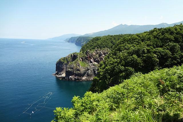 【北海道知床・トレッキング】森・海・絶壁!知床の魅力が満載のトレッキング!