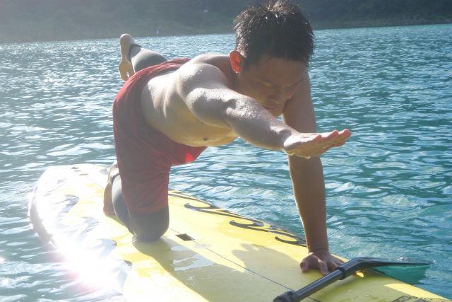 【山梨・本栖湖・SUP】3倍のエクササイズ効果!湖上でSUPコアトレーニング
