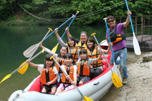 【群馬・Eボート】親子三世代で!夏休み限定、Eボートで湖上クルーズにでかけよう