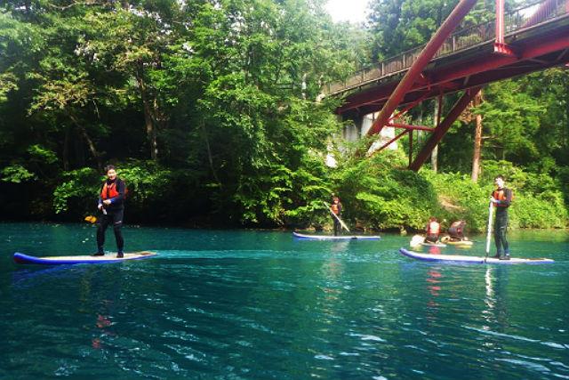 【群馬・SUP】コバルトブルーの湖面をSUPツアーでリフレッシュしよう!