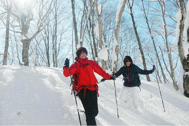 【長野・スノーシュー】白銀の世界を雪上散歩!半日体験コース