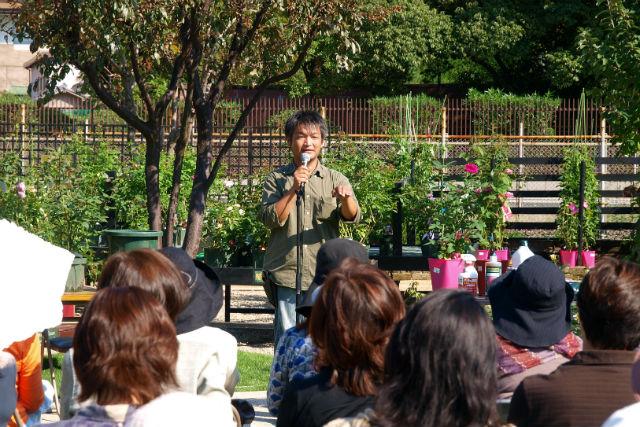 【大阪・ガーデニング体験】講師はローズソムリエ!庭園で楽しむバラ栽培セミナー