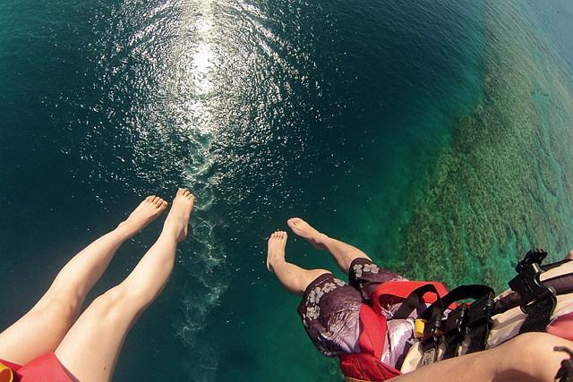 【沖縄県名護市・パラセーリング】空と海を堪能!パラセーリングとシュノーケル体験