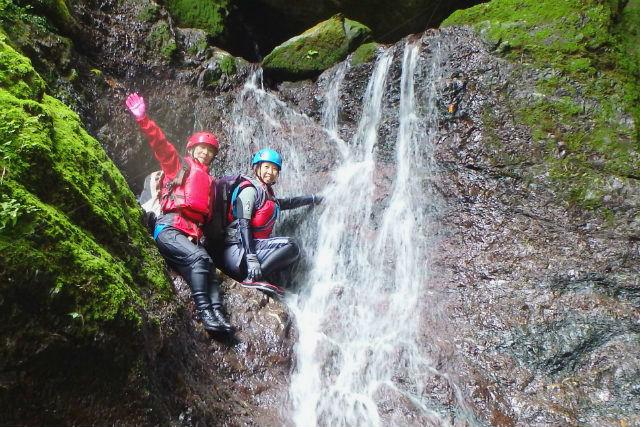 【徳島・シャワークライミング】木沢村・新居田の滝 で沢登り!ビギナーから楽しめます