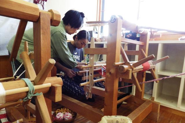 【青森県佐井村・裂き織り体験】さいはての村で工芸体験!味わいのある布を織ろう
