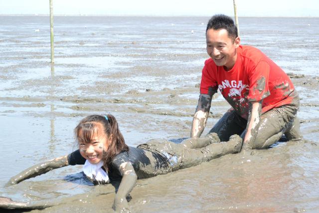【佐賀・干潟遊び】泥まみれになって遊ぼう!干潟体験プラン!