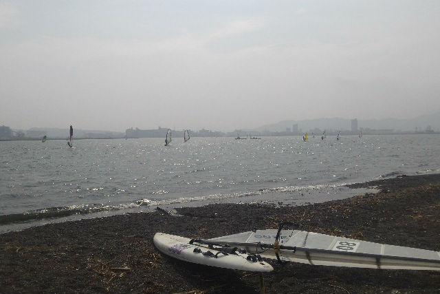 【静岡県・清水・半日コース】三保海岸でウィンドサーフィン経験者向けレッスン