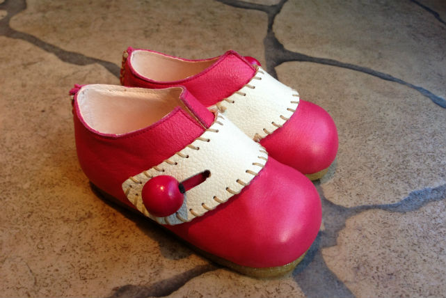 【東京代官山・靴作り体験】靴職人と二人三脚で作るイタリア仕込みのベビーシューズ