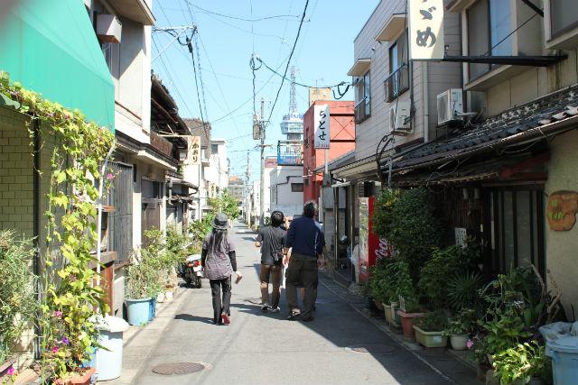 【別府・ガイドツアー】ノスタルジックな街並みを臨む!竹瓦かいわい路地裏散歩(北)