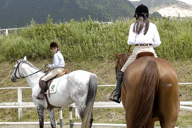 【埼玉・乗馬】小中学生のジュニア向け!90分の乗馬体験コース!★ドリンク付き