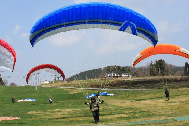 【兵庫・神鍋高原・パラグライダー】上空100メートル!1日中パラグライダーを楽しもう
