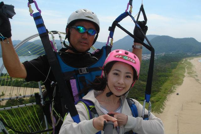 【兵庫・神鍋高原・パラグライダー】インストラクターと2人乗り!上空100メートルの空中散歩