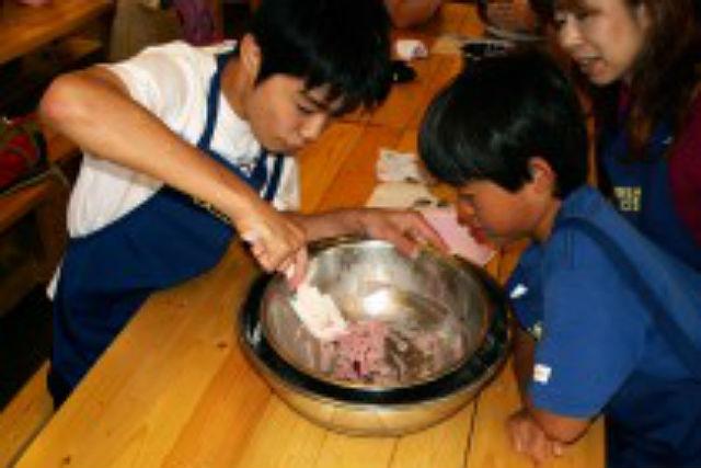 【北海道・富良野・料理体験】家族で楽しめる、ふらのベリージャム&アイス手作り体験
