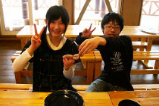 【北海道・富良野・料理体験】できたてが味わえる、ふらの豚ソーセージ手作り体験
