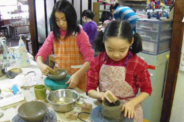 【札幌・陶芸】親子で陶芸体験!お子さまでもラクラク楽しめる手びねりプラン
