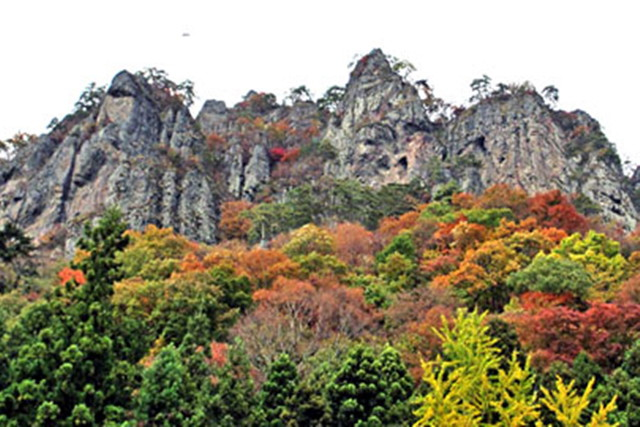 【群馬・岩櫃山・登山】武田家の歴史と豊かな自然を感じられる岩櫃山周回コース