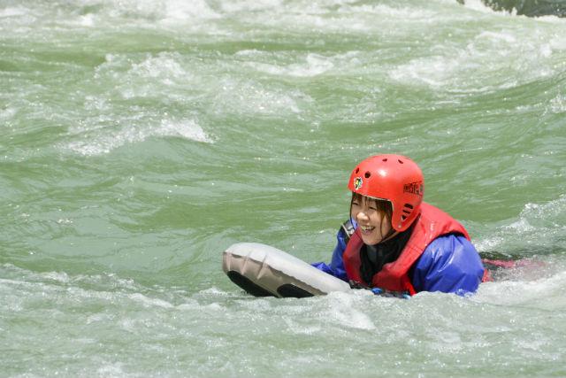 【北海道・十勝・リバーブギ】体ひとつで川下り!大興奮のボディーラフティング