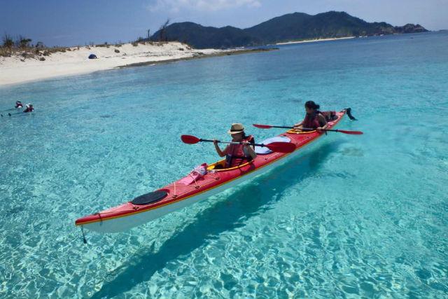 【座間味島・1日・カヤック】カヤックで無人島へ出かけよう!カヤックde島ピクニック