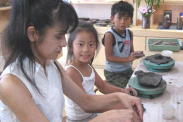 【岡山・備前市・陶芸体験】小さな陶芸家の誕生!12歳までの薪窯焼き上げプラン