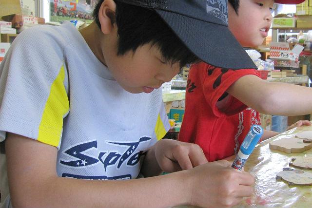 【岩手県盛岡市・木工体験】木で作る楽しさを味わおう!ペン立て・ゴム鉄砲作り体験