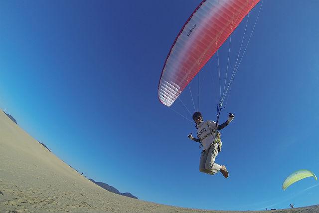 【鳥取砂丘・半日・パラグライダー】メディア掲載多数!砂丘の上を空中散歩しよう
