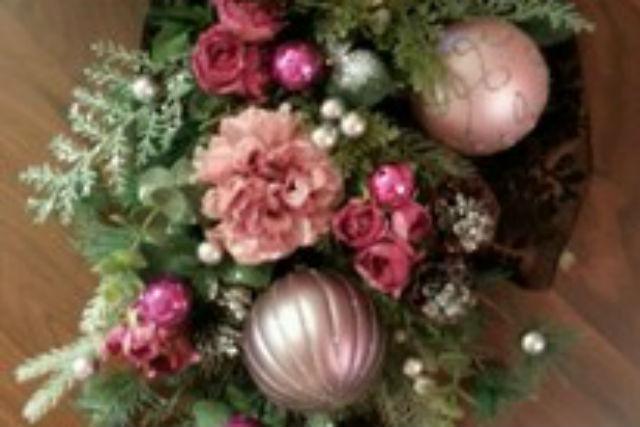 【札幌・豊平区・フラワーアレンジメント】クリスマスを可愛く飾る!オリジナルリース作り