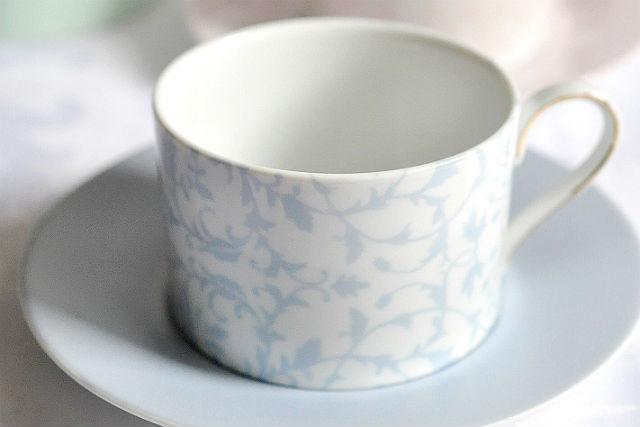 【大阪市・ポーセラーツ】ティータイムにピッタリ!おしゃれなカップ&ソーサー作り