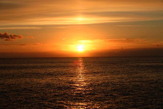 【沖縄・那覇・パラセーリング】1日1組限定!沖縄の夕日を空から楽しめる!
