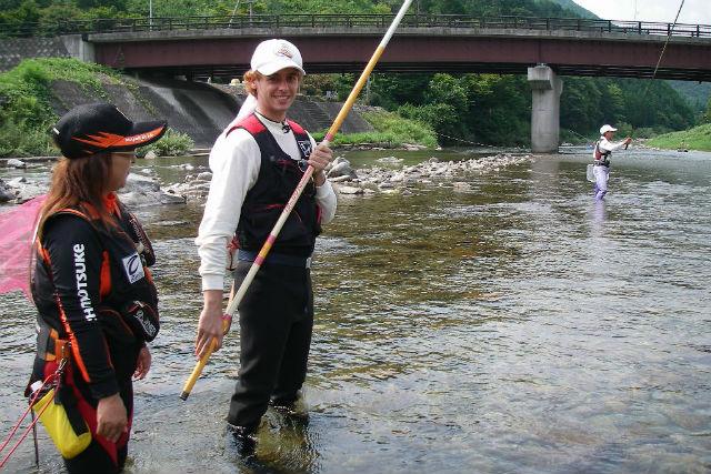 【岐阜県下呂市・鮎釣り体験】外国人対象!伝統技法を使って釣り体験!