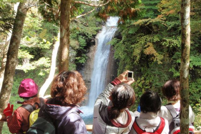【岐阜・飛騨南部・エコツアー】ビギナー向け!亜高山帯の大自然に触れる・仙人滝コース