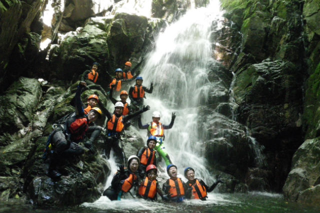 【岐阜県・下呂市・沢登り】真夏の大冒険!小坂の沢登りで夏を満喫