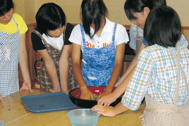 【新潟・南魚沼・料理体験】松代の伝統食「あんぼ」を手作り。実際に食べてみよう