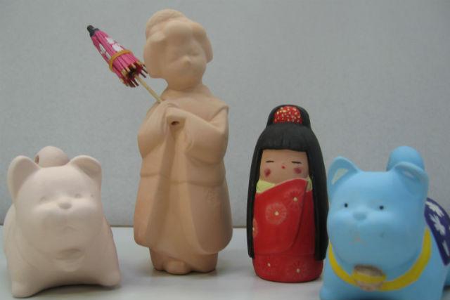 【福岡市・伝統工芸体験】博多人形の魅力に触れる!絵付け体験