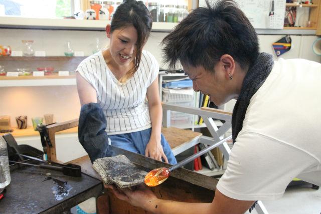 【岡山市・吹きガラス】キッズも大歓迎!ガラス細工の楽しさに触れるお試しコース