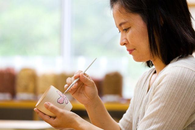 【沖縄・本部町・ものづくり】キャンドル・風鈴・紅型・陶芸などから、2つ選んで体験!