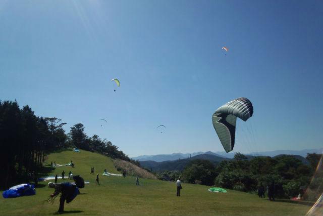 【埼玉・パラグライダー】パラグライダーの基本!ふんわり浮遊感が楽しい午前半日プラン
