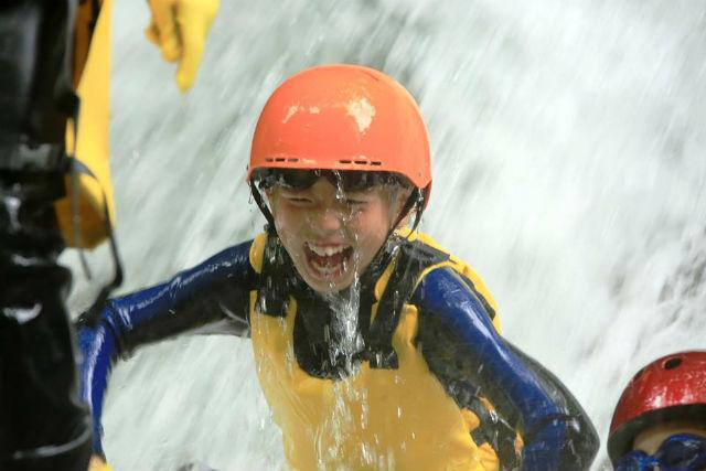 【福島県 ・西郷 ・キャニオニング】小学校2年生から川遊び!那須西郷ファミリーキャニオニング