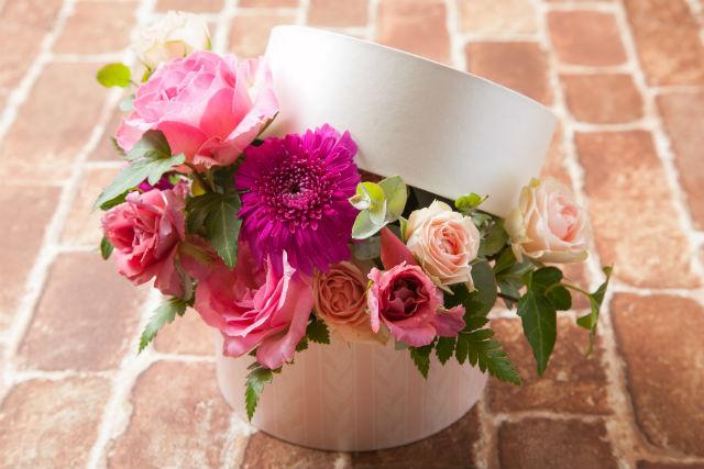 【神戸・フラワーアレンジメント】お花で作る宝石箱!華やかで上品なボックスフラワー体験