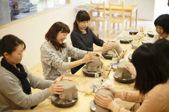 【愛知・常滑・陶芸】10名以上のグループプラン!味わい深い陶芸作品をつくろう
