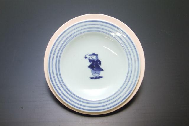 【佐賀県・有田・陶芸体験】かわいくて使いやすい!らく焼への絵付け体験・ケーキ皿(小)