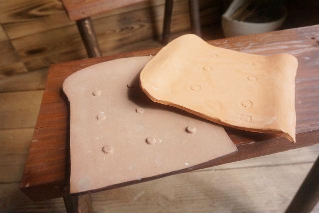 【沖縄・南城市・陶芸】沖縄ならではの作品!赤瓦の形をしたパン皿を作ろう!