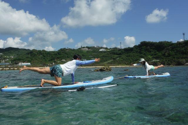 【沖縄・南城市・SUP】美ら海でリフレッシュ!SUPクルーズ&SUPヨガ