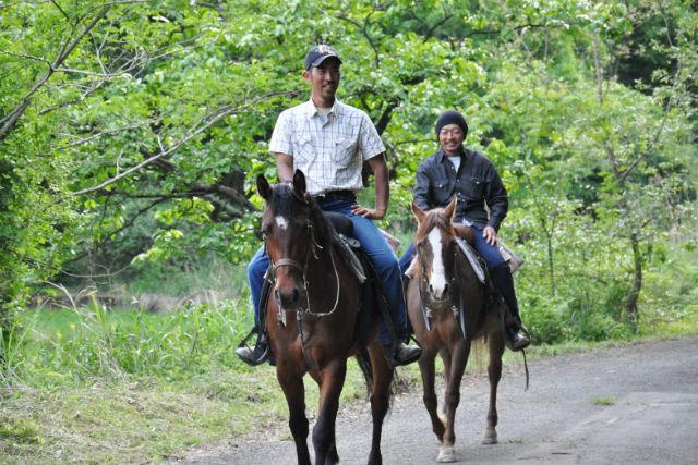 【京都・乗馬レッスン】自然のなかを、乗馬でお散歩しよう!外乗プラン