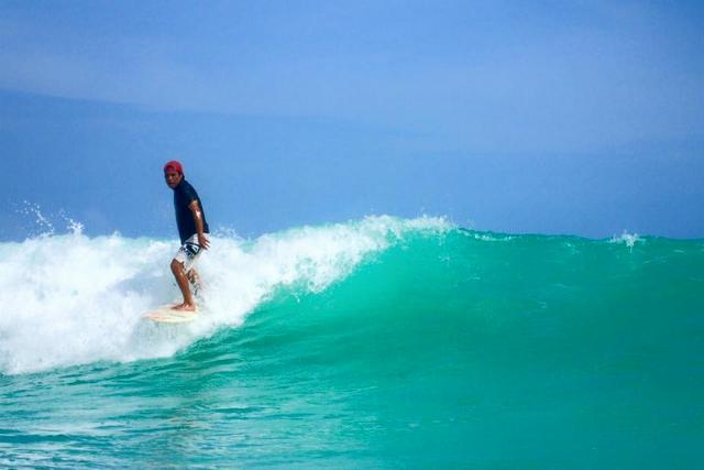 【宮古島・サーフィン】経験者にオススメ!大きな波に挑めるボートエントリープラン