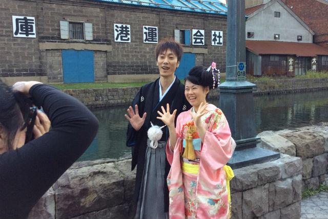 【小樽・着物レンタル】お2人で小樽の街を散策。花嫁花婿衣装・1日コース