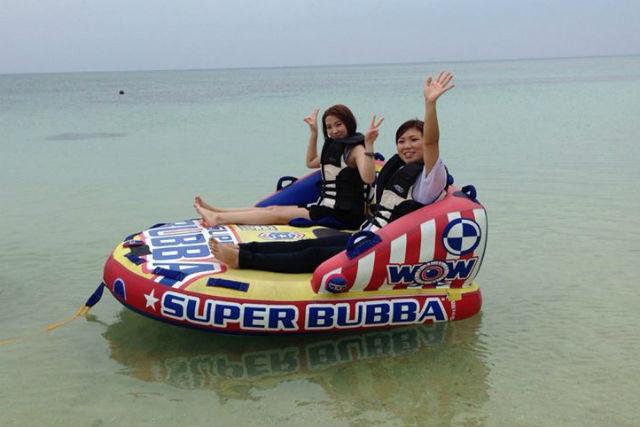 【石垣島・ウェイクボード】ボートに引かれながら波の上を滑る!ウェイクボード体験