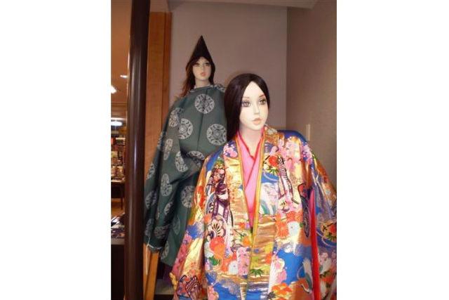 【広島・宮島・コスプレ体験】平安貴族の衣装で記念撮影!写絵にしてお土産にも!