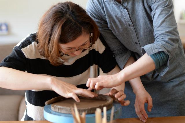 【兵庫・佐用町・陶芸教室】手びねり2作品!ペアでも、単品でも、好きなものを作ろう