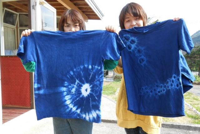 【群馬・藍染め体験】完全無農薬の天然原料を使用!日本古来の技法でTシャツを染めよう